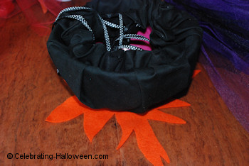 Witch Cauldron Bag - Making the Flames 2