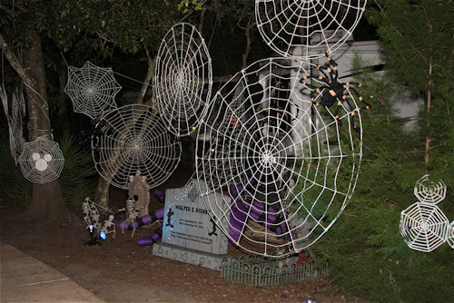 Cobwebs on Trees - Outdoor Halloween Decorations
