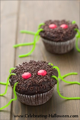 Halloween Spider Cupcakes - Cupcake Decorating Ideas