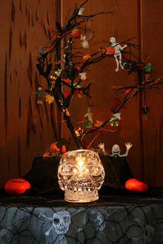 Haunted Halloween Tree Decoration