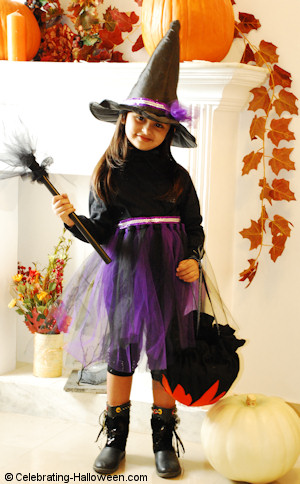 No Sew Halloween Purple Witch Costume - DIY Halloween Costume
