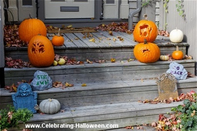 Halloween Front Steps Decoration Idea